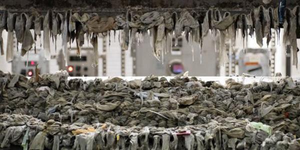 monstruo-alcantarillas-toallitas-humedas